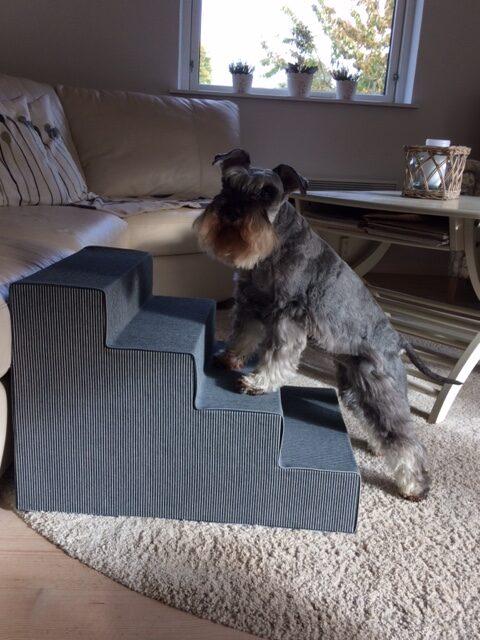 Frække Berta er en moden dame der fremover får lidt hjælp til at komme op og ned af sofaen